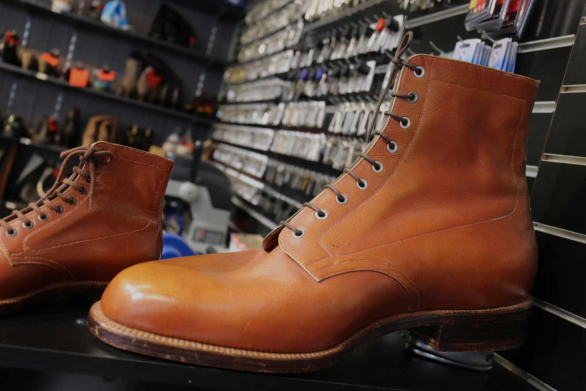 koen maakt je schoen attribuut